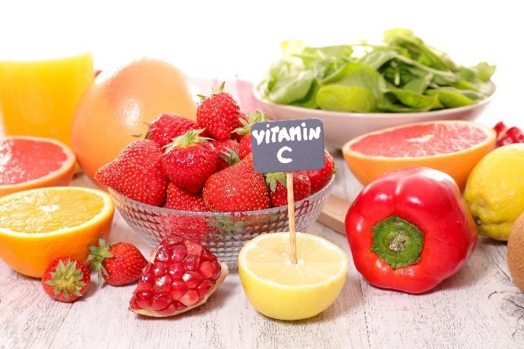 Nên ăn những thực phẩm giàu vitamin C khi bị viêm họng, cảm lạnh